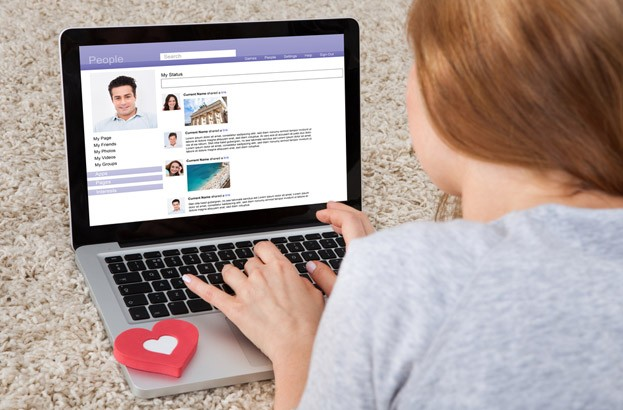 Online dating financial scammers