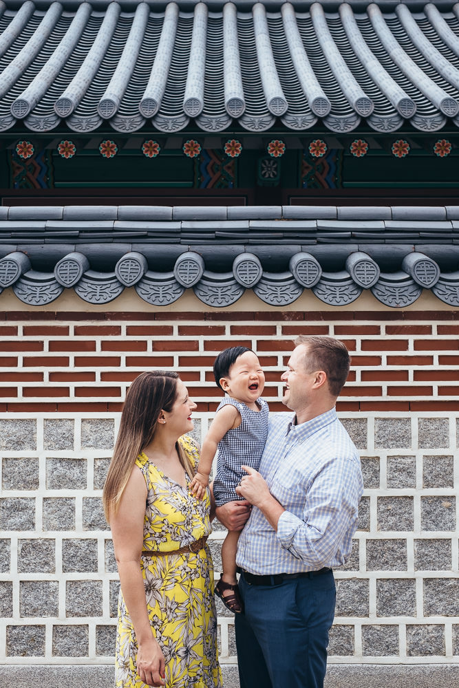Family Photography in Gyeongbokgung Seoul - Silas enjoying time with his parents