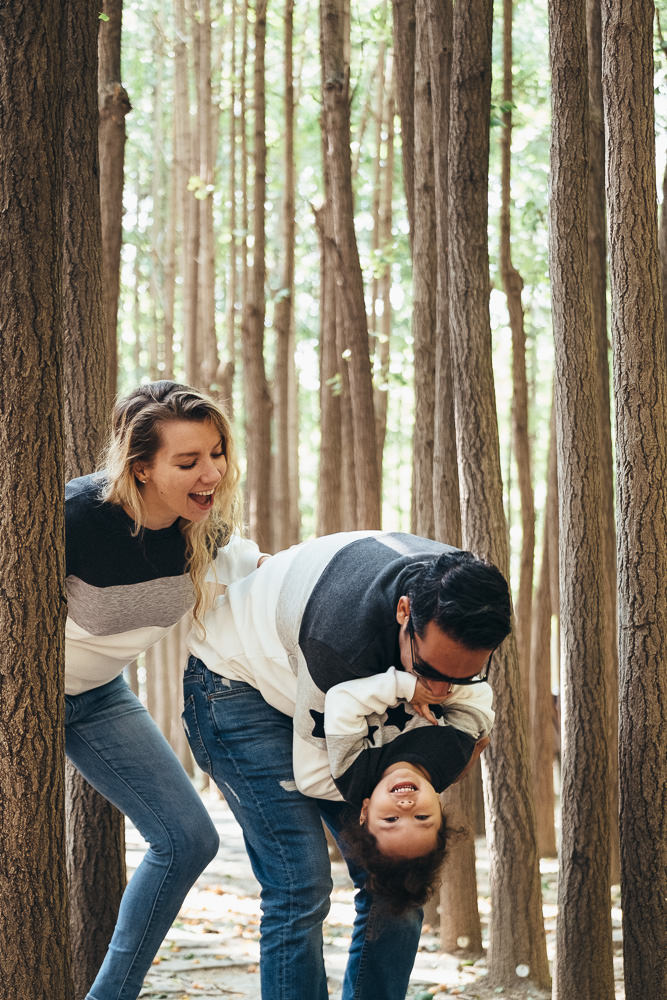 Ataalla Family - Family Photography in Seoul Forest - Too much fun