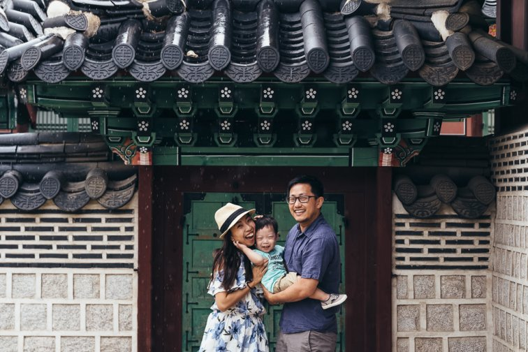 Family Photography with the Chens at Gyeongbokgung