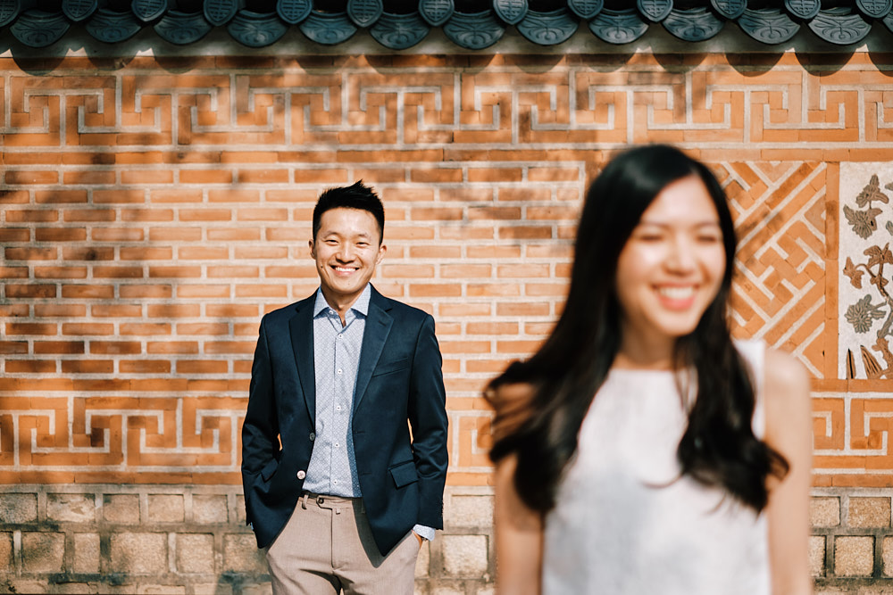 Light and Shadow play on the walls of Gyeongbokgung made this couple session really special