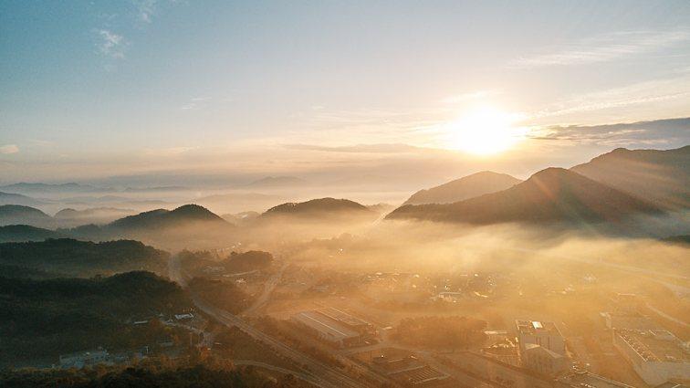 Morning Fog, Sunchang Gochujang Village, Smile Magazine, Korea Editorial Photographer