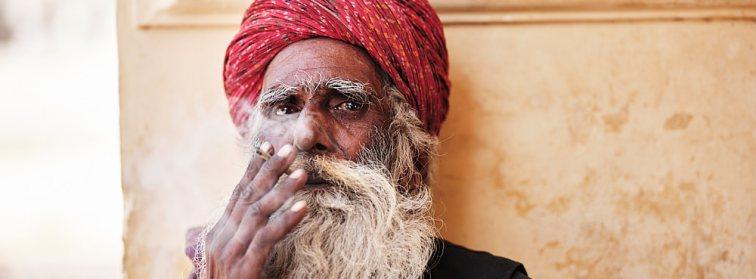 Smoking man, Jaipur, India