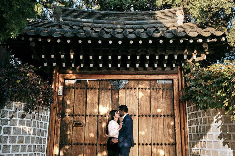 Engagement Photography in Bukchon Hanok Village, Seoul