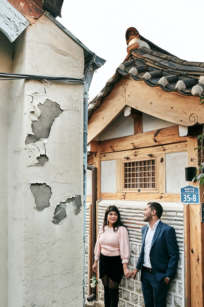 Pre-wedding photoshoot after proposal, Bukchon Hanok Village, Seoul