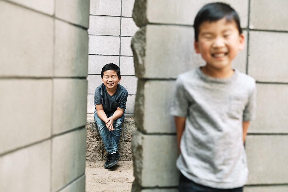Sam hiding from Jae