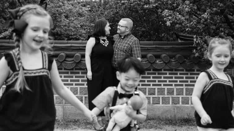 Running Kids - Family Photo Session