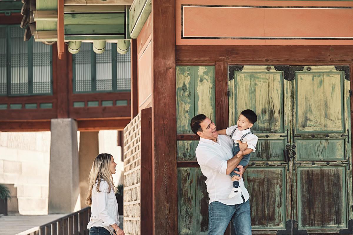 Peak-a-boo - Michas Post-Custody Family Photos