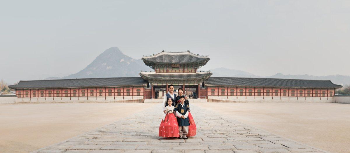 Gyeongbokgung Hanbok Family Portrait