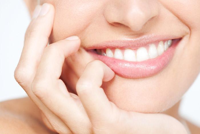 beautiful smile woman - LOVE HANDLES SNEL GEZOND AFVALLEN WAT ZIJN LOVE HANDLES?