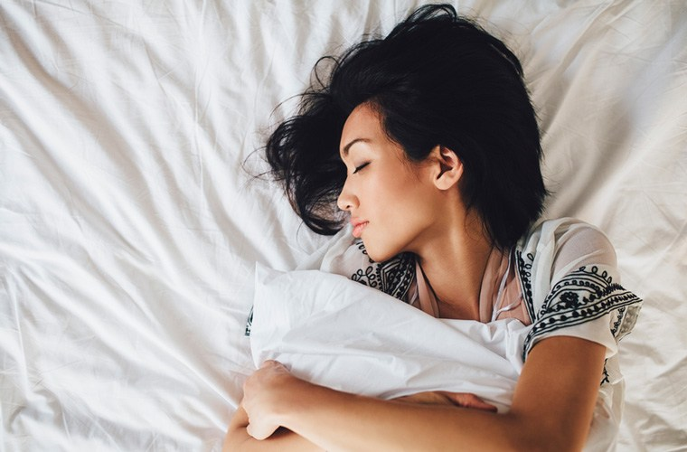sleep prevent acne