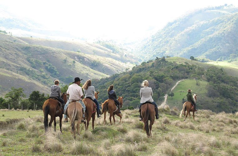 wellness-destinations-fazenda-catuc%cc%a7aba-horseback-riding