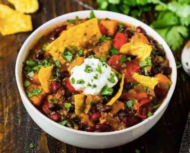 vegetarian chili high-protein meals