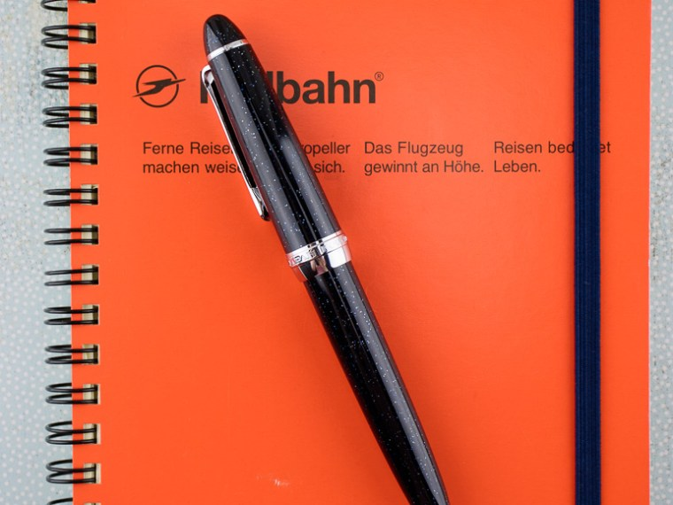 Notebook Review: Rollbahn Notebooks by Delfonics