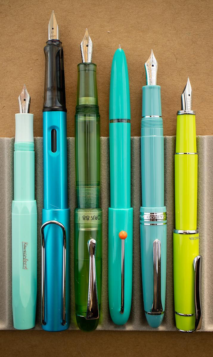 Kaco Retro Green Fountain Pen size comparison 2