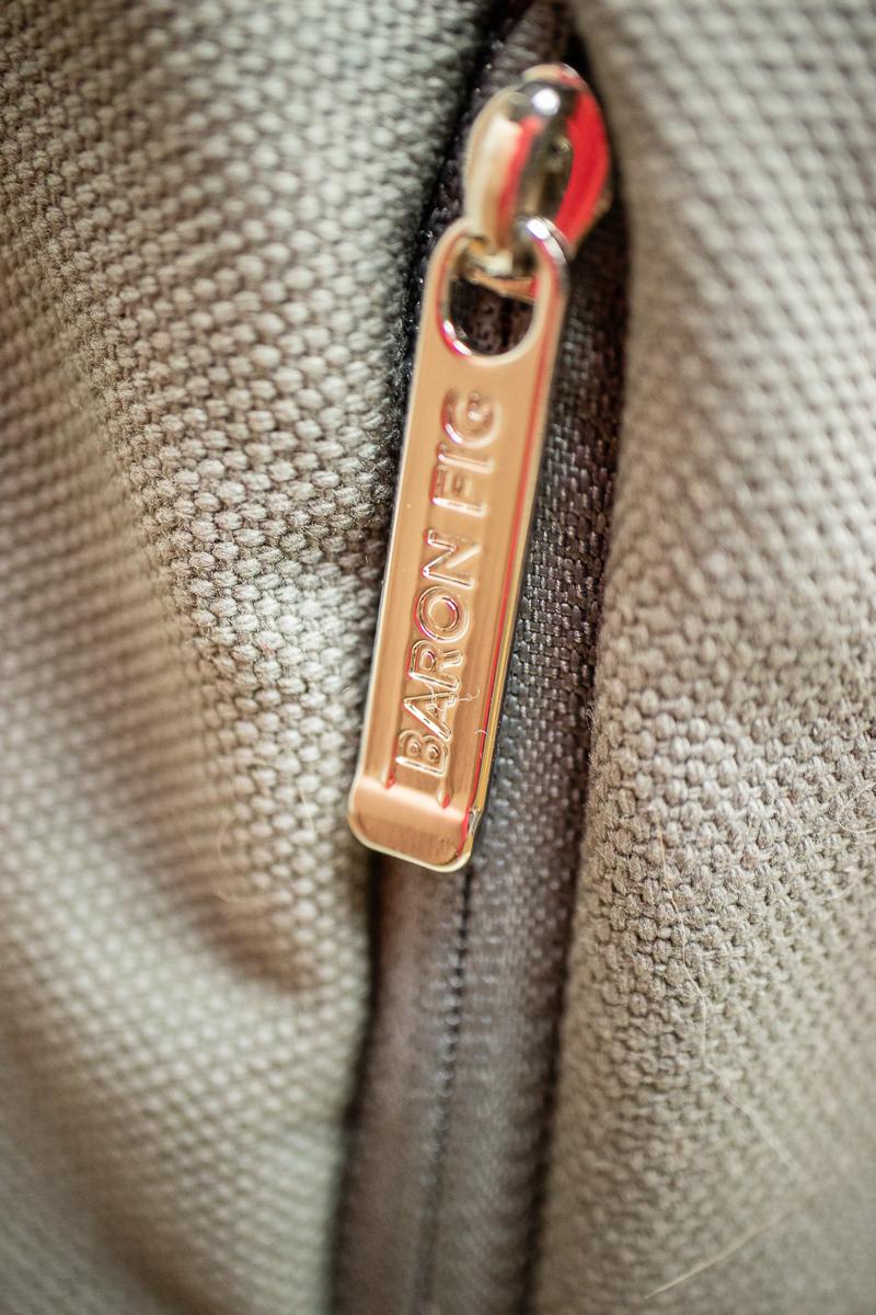 Bsron Fig zipper pull