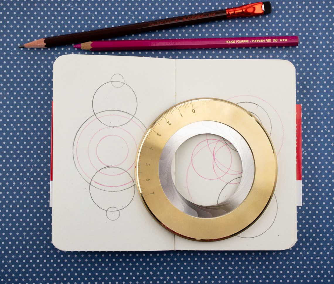 Iris Drawing Compass