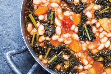 Beans soup with vegetables.