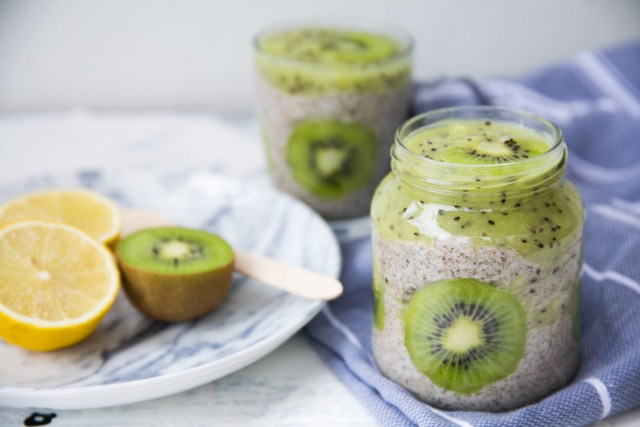 kiwi lemon chia pudding / Wellberries