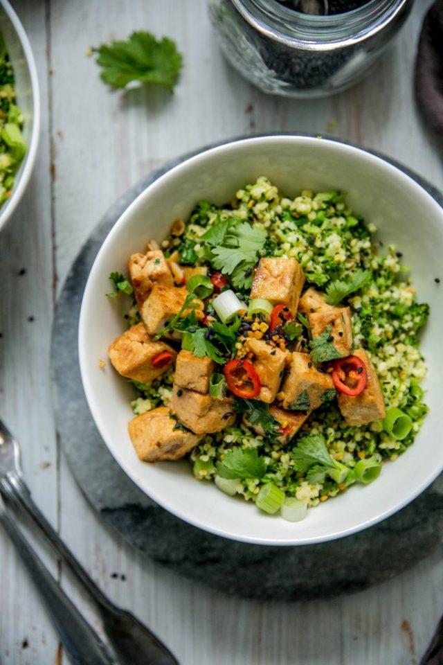 Paistettua seesam-tofua