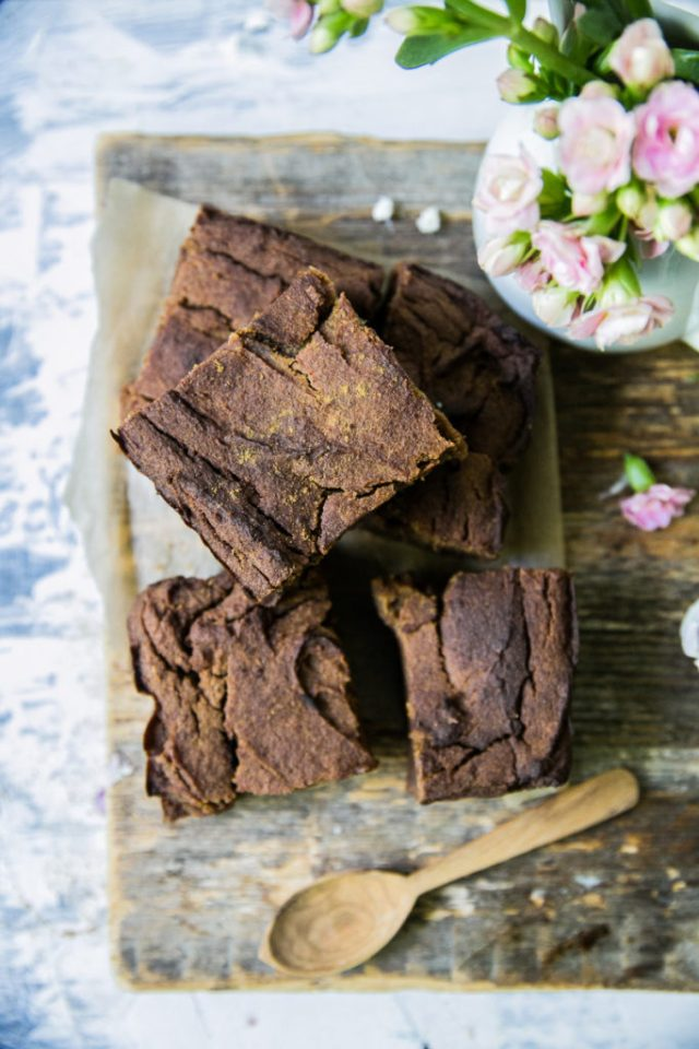 Lucuma chickpea blondies w/ licorice and ginger