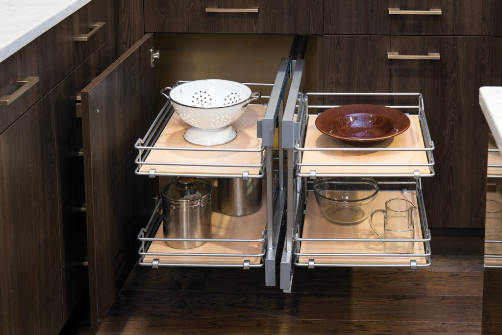 pull out cabinet drawers wellborn
