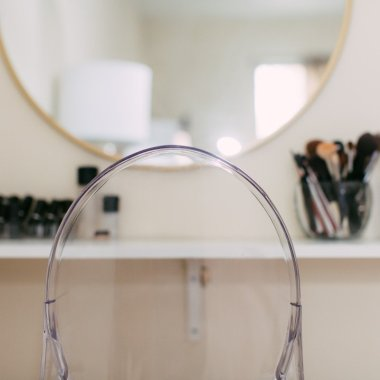 diy makeup vanity-wellesley and king-@wellesleynking