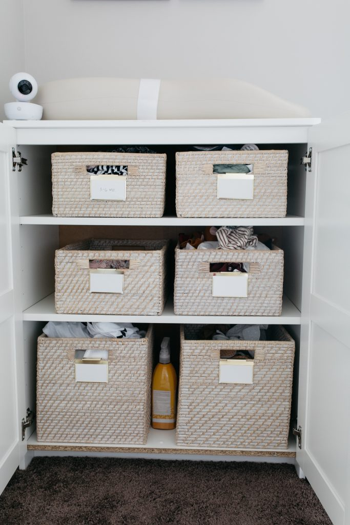 minimal nursery-wellesley and king blog-changing table organization