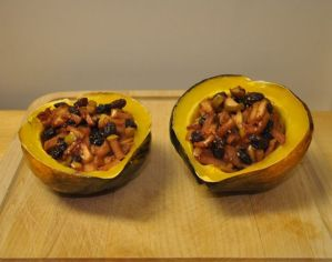 Weekly Recipe – baked acorn squash stuffed with apple