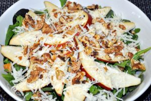 Weekly Recipe – Toasted Walnut Pear and Arugula Salad