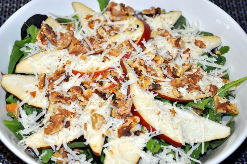Weekly Recipe – Toasted Walnut Pear and Arugula Salad