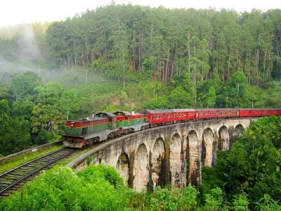 Demodara Nine Arch Bridge | Well Known Places
