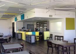 Panneaux acoustiques mur et plafond restaurant