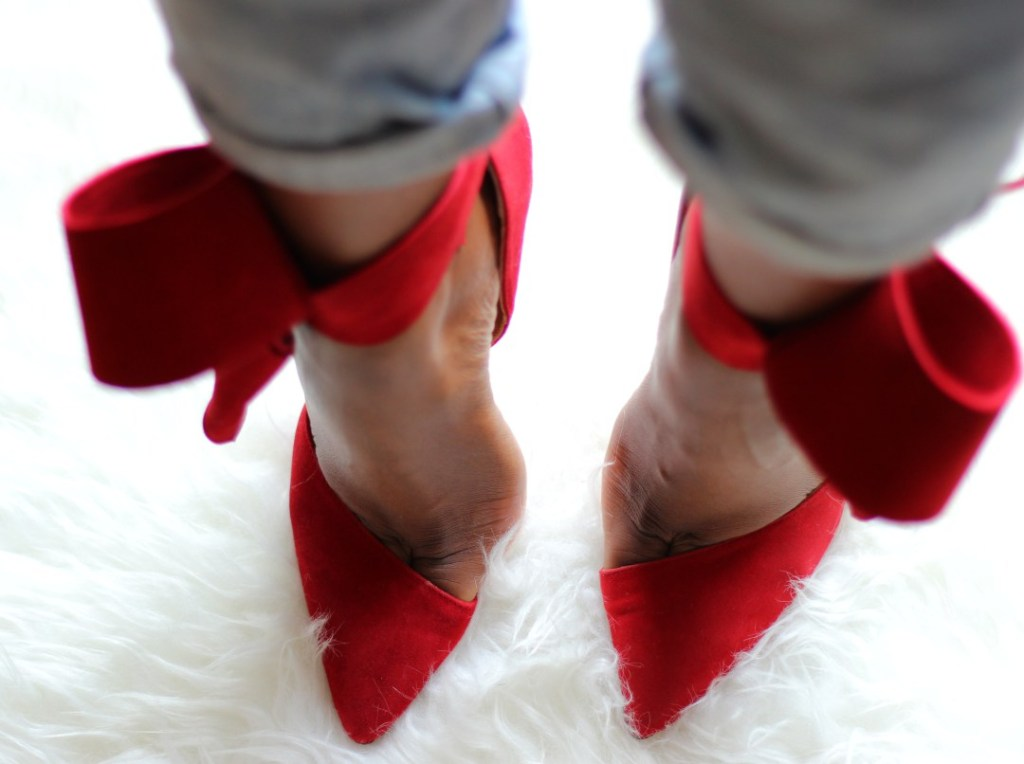 Well worn heels, Aminah Abdul Jillil, Bow Bumps