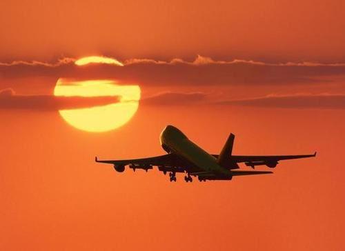 https://i1.wp.com/www.welovedc.com/wp-content/uploads/2008/09/plane-taking-off.jpg