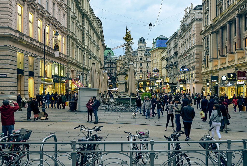 downtown vienna austria streets and sidewalks