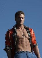 Jesse_Roberts-Tetu_magazine-gay-9
