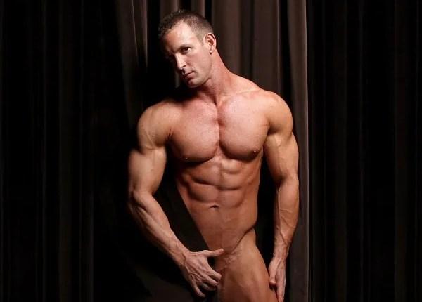 bodybuilder TJ Cummings for MuscleHunks