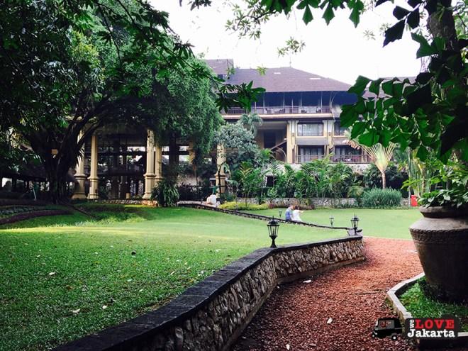 welovejakarta_tasha May_Novotel Bogor_weekend getaway from Jakarta_beautiful gardens