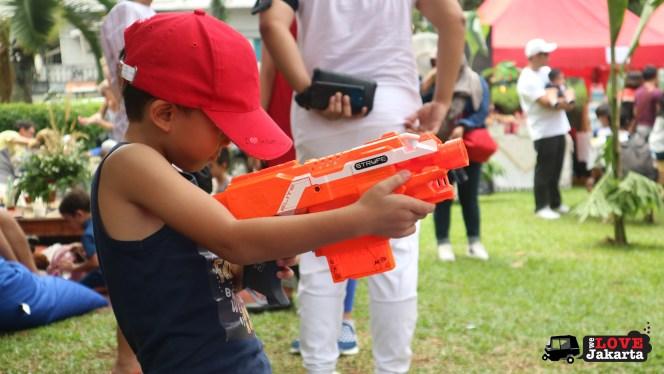 we love jakarta_green love a'fair 2017 jakarta_weekends in jakarta_jakarta with kids_picnic in jakarta_nerf gun jakarta