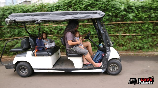 Tasha May_Treen May_Ecopark Ancol_peddle car_Jakarta indonesia_golf buggy