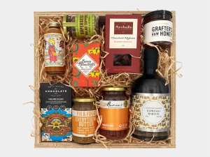 Wild About Wellington Gift Box Large With Cocktail