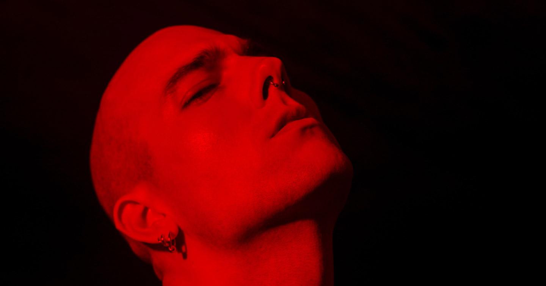 Videopremiere: Alex Aris – Wrong Love
