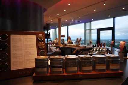 Skybar Konrad Marriott Hotel Bonn WCCB Tee