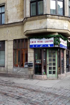 Tris Viri Laiva Pub Riga Avotu iela Tipp Kneipe Riga Bar guide Riga Geheimtipp gute Bar Riga at night city guide good drinks places off side
