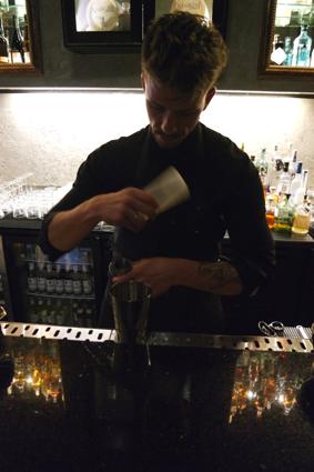The Waiting Room Bonn Cocktailbar Tipp Empfehlung für gute Cocktails in Bonn