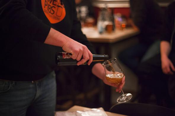 Pop Up Bar Bonn Tipp ausgehen Kneipe Bonn Pub Bar Craft Beer große Auswahl lokale Biere Limo aus Bonn Cider aus dem Rheinland Wein von der Ahr Ale Mania Bonn Brauerei 53 Seven Mountains Brewery Events in Bonn Februar