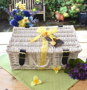 robins and sons  hamper