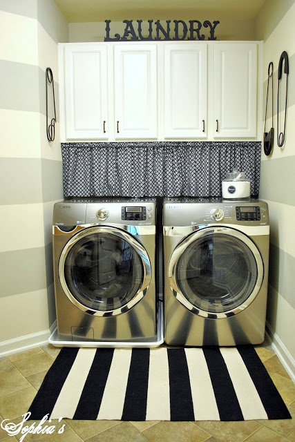 laundry room with wall stripes