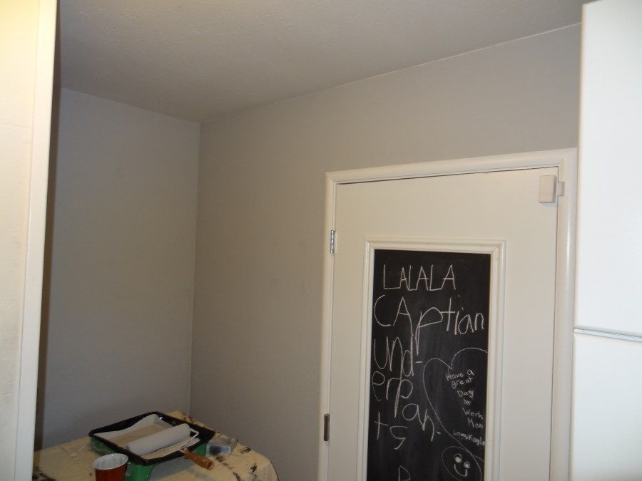 laundry room makeover, benjamin moore smoke embers